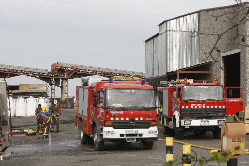 Tres intoxicats per incendis a alfarr s i sant mart de for Malda lleida