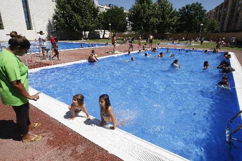 Queixes per overbooking a les piscines de cappont for Piscines lleida