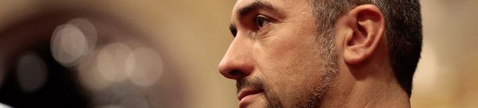 Primer pla del conseller d'Acció Exterior, Relacions Institucionals i Transperència, Bernat Solé, al ple del Parlament