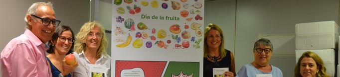 El CatSalut i l'AECC de Lleida incentiven el consum de fruita en l'entorn laboral