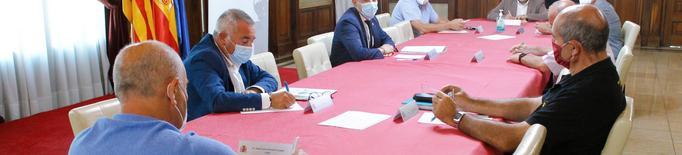 Reunió a la subdelegació del Govern amb el sector agrari per fer seguiment a la campanya de la fruita