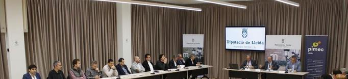 Empresaris i Diputació reivindiquen el trànsit de mercaderies a l'aeroport d'Alguaire