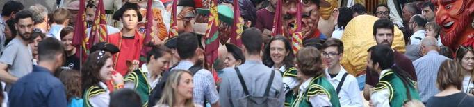 El folklore obre la festa major de Lleida