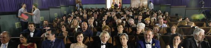 Catifa roja a Penelles per a la inauguració del cine Kursaal
