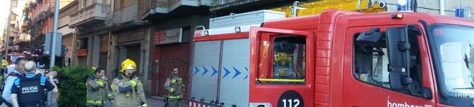 Tallat el carrer del Nord de Lleida per un incendi en un immoble