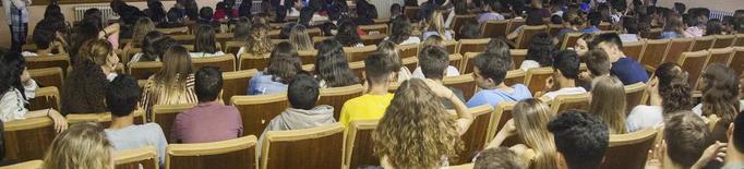"""ProActiva Open Arms a estudiants de Tàrrega: """"cal donar veu a les persones refugiades"""""""