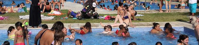 Dilluns ja es podrà fer 'topless' a les piscines municipals de Lleida