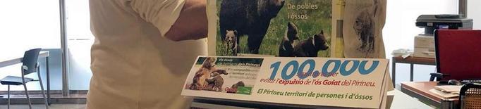 Ipcena entrega les 100.000 firmes contra el trasllat de l'ós Goiat