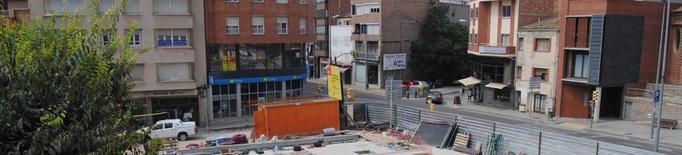 La plaça de l'Ajuntament de Mollerussa ja disposa de nou paviment