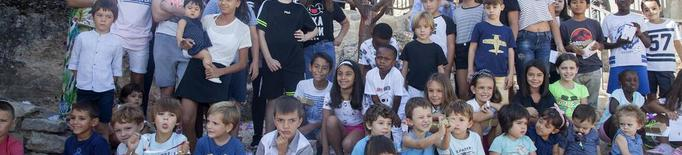 Homenatge de Vilagrassa als nens i nenes amb un ametller