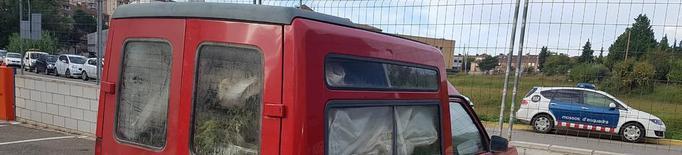 Tres detinguts a la Caparrella per transportar 'maria' en una furgoneta