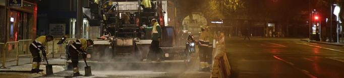 Una nit més d'obres a l'avinguda Catalunya