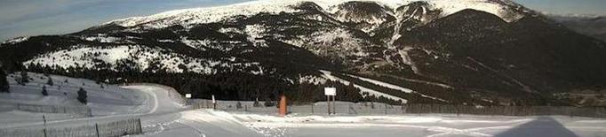 Centenars d'esquiadors obren la temporada a Port Ainé i Espot
