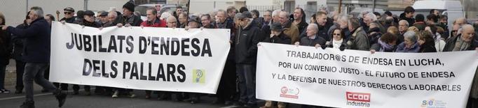 """Jubilats i treballadors d'Endesa porten al jutge la """"pèrdua de drets"""""""