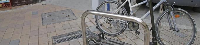 Primers punts de recàrrega per a bicis i patinets elèctrics