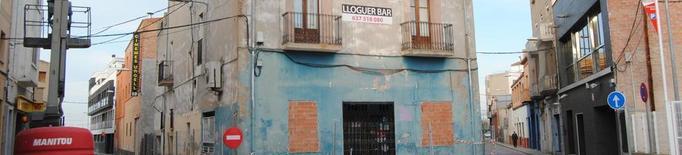 Enderroquen l'edifici de l'antic Bar Catalunya de Mollerussa