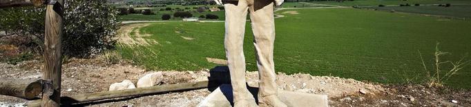L'escultura de Manuel de Pedrolo ja presideix Aranyó