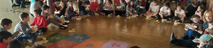 Dinar solidari amb 1.500 nens al Maristes Montserrat de Lleida