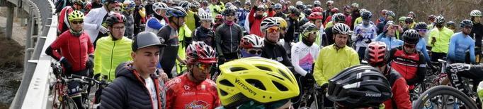 Marxa reivindicativa en record del ciclista atropellat a Martinet