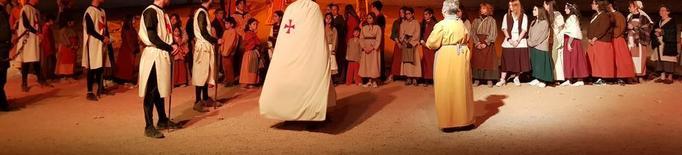 Dos mil persones reviuen la llegenda de Sant Jordi
