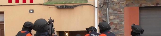 Desarticulat un grup criminal que va robar 180 mòbils d'alta gamma