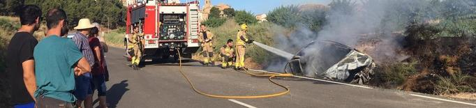 Incendi de dos vehicles a Alfés i a Lleida