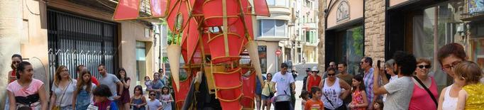 Teatre de carrer, poesia i art en espais únics de Cervera