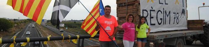 Estelades i pancartes sobiranistes a l'A-2 com a preludi a la Diada