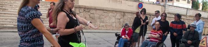 Tàrrega consciencia sobre la dificultat de la mobilitat reduïda