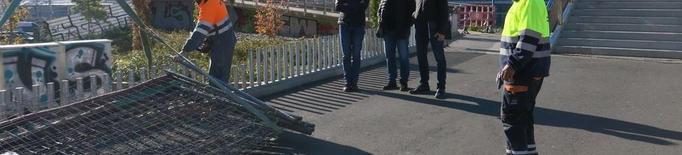 Les rampes de la passarel·la de Renfe, renovades