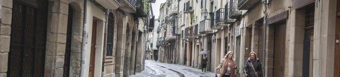 Crítiques a les retallades a l'Aquelarre i la Vila del Llibre dels botiguers de Cervera
