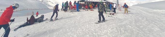 La neu garanteix afluència a les pistes tot el mes que ve