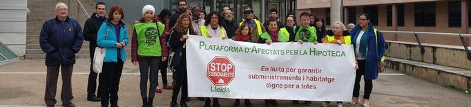 Ibercaja retira la denúncia contra la PAH, que encartella la seu d'un altre banc
