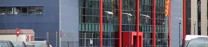 Presó per robar diners de les oficines i el bar de dos instituts