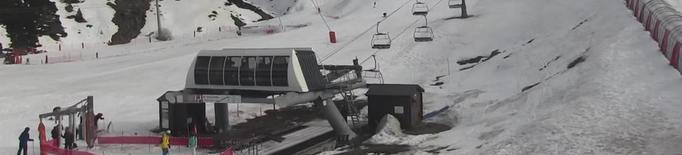 El tancament de pistes alenteix l'arribada de gent a les segones residències del Pirineu