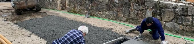 Bossòst repara la xarxa d'aigua d'un carrer arran d'una avaria