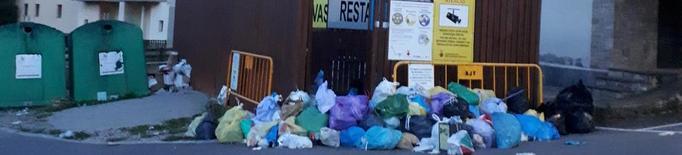 Sant Llorenç de Morunys denuncia acumulació de brossa en un dipòsit