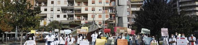 Els MIR porten la protesta al carrer i denuncien explotació laboral