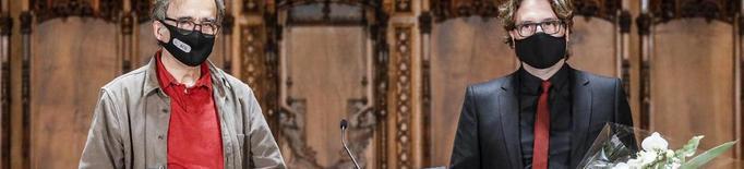 El poeta Txema Martínez rep el Premi Jocs Florals per 'Maria'