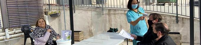 Residències de Lleida reforcen les visites i d'altres les cancel·len