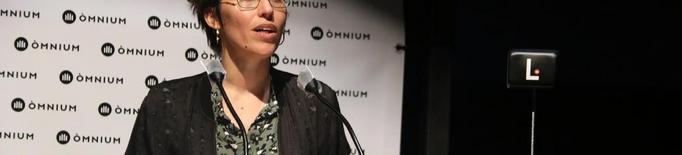 Eva Baltasar guanya el IV Premi Òmnium a la millor novel·la de l'any per 'Boulder'