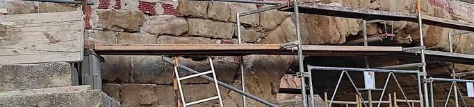 Cultura inspecciona les obres per restaurar el pont medieval d'Alfarràs