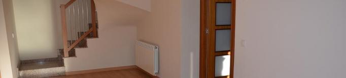 Gent gran que viu sola ja pot optar a un pis compartit per 150 € al mes