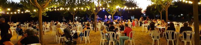 Unes 200 persones gaudeixen del primer concert del Km Cultural d'agost a Tàrrega