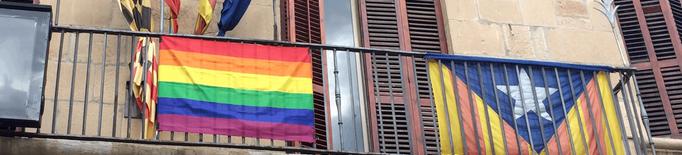 """Prohibeixen l'exhibició de banderes LGTBI, estelades i qualsevol altra """"no oficial"""" a les façanes d'edificis públics"""
