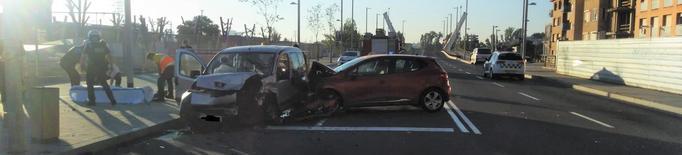 Tres ferits en un accident de trànsit al carrer Príncep de Viana de Lleida