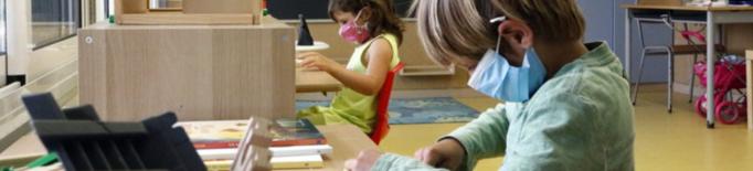 Sanitaris veuen insuficients els recursos per donar suport a les escoles