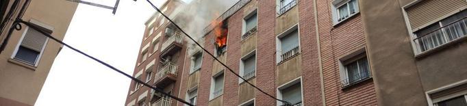 Extingit l'incendi en un pis del carrer Tamarit de Llitera de Lleida