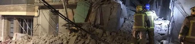 S'esfondra totalment una casa deshabitada a Bellpuig