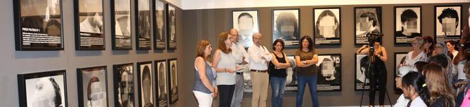 Balaguer inaugura l'exposició sobre els presos polítics